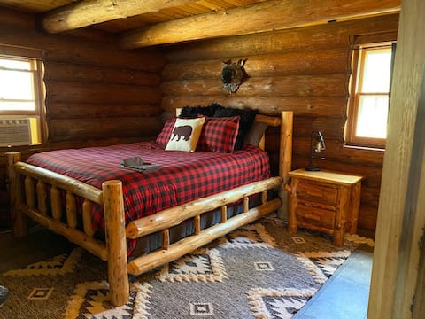 Hand built log cabin on Farm Island Lake