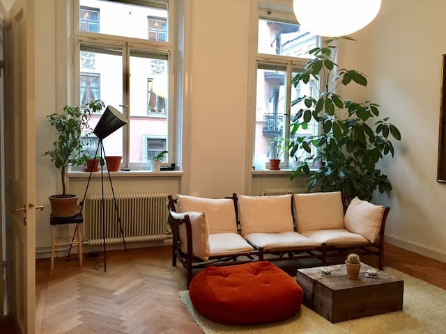 Beautiful 19th-century flat in central Stockholm - Sztokholm - Apartament