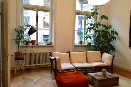 Beautiful 19th-century flat in central Stockholm - Tukholma - Huoneisto