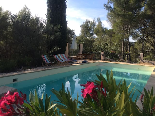 Nice villa w/ pool - 5km center Aix-en-Provence - Le Tholonet - House