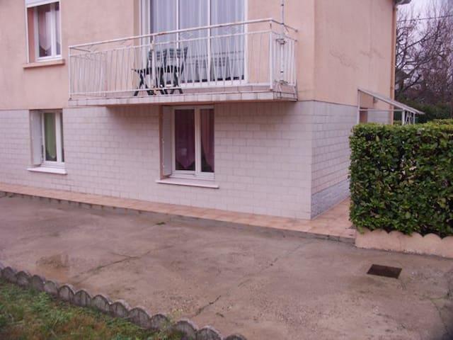 1  Petit appart privé dans une villa individuelle