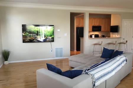 Luxury Home @ Easton~2BR/2BA. - Wohnung