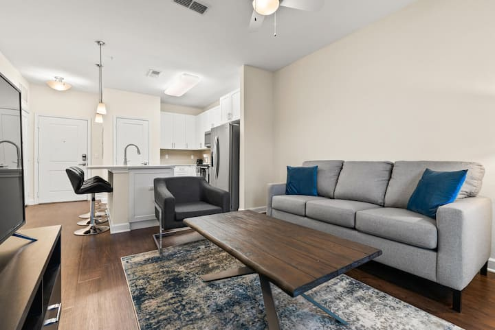 StayGia | The Point at Town Center | Luxe 1BR Suite | 4 Ppl