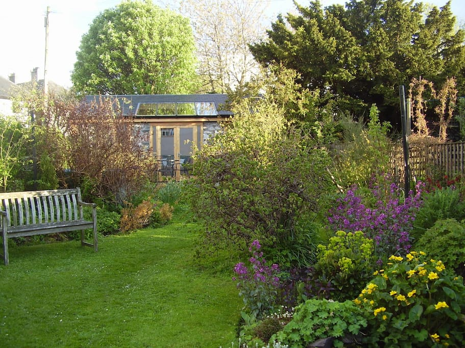 The garden and sunroom in spring