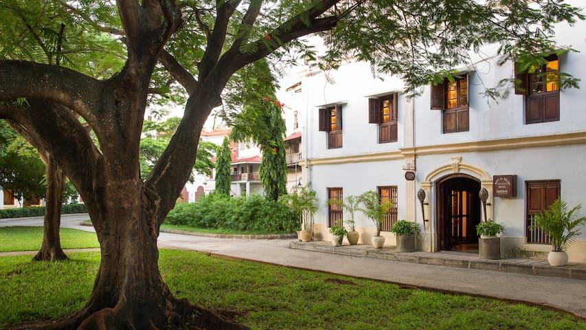 Beyt Al Salaam, flavour of Stone Town - Zanzibar Town