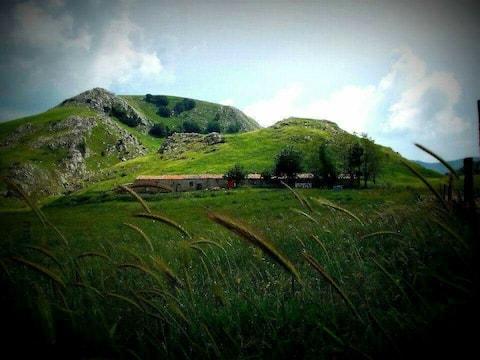 "Ancient farmhouse at high altitude. ""Abbadessa"""