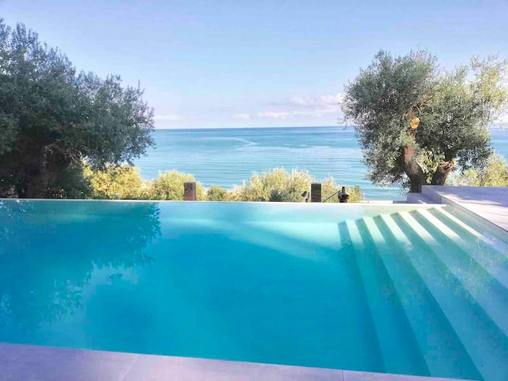 Charming indipendent Villa  private pool Cefalu'