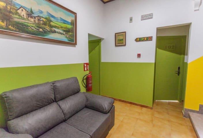 Habitation  para 1-4  en el centro Lloret