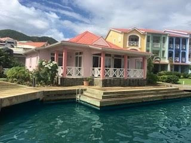 Right on the Water - Heart of Rodney Bay - Sleep 6