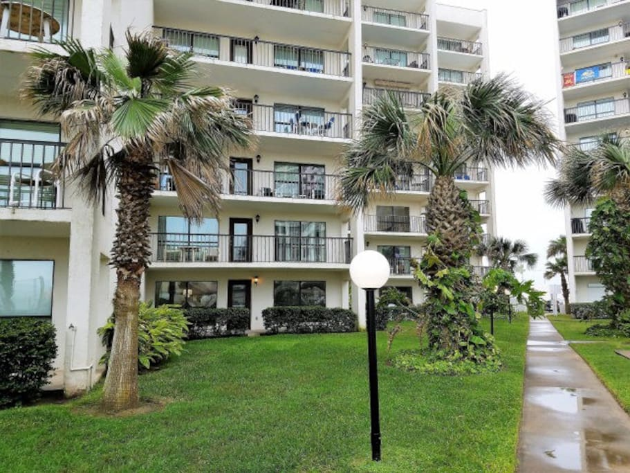 Ground level condo with access to main pool. Extra yard space for family BBQ and family/kids to enjoy.