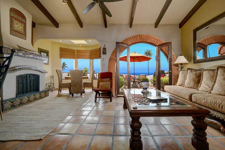 Las Gaviotas Villa - Hacienda Style