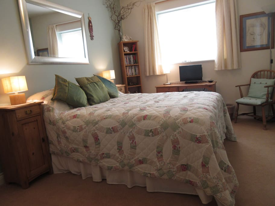 The bright double bedroom with it's en-suite shower room is comfortable and clean, hopefully your nights sleep will be comfortable too.