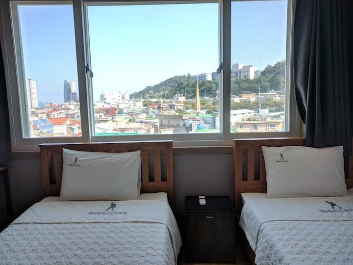 BACKPACKERS IN YEOSU Twin bedroom