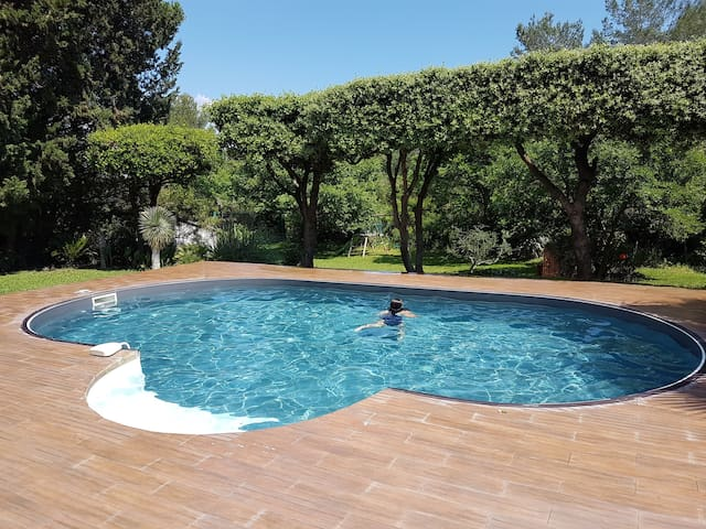 Villa tout confort avec studio  proche de HYERES