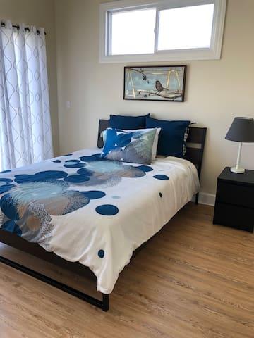 Room with Private Bath & Balcony near SFSU