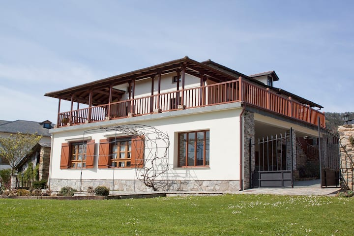 Rural Apartment near Luarca Abad II