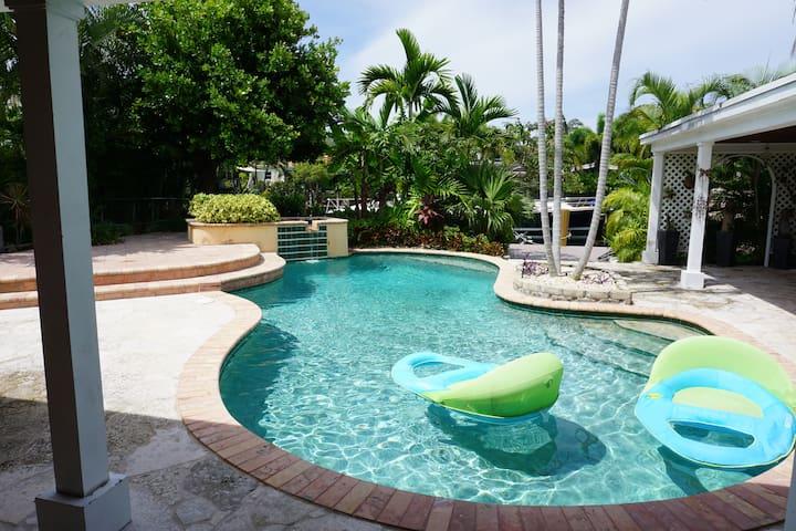 Relaxing Miami
