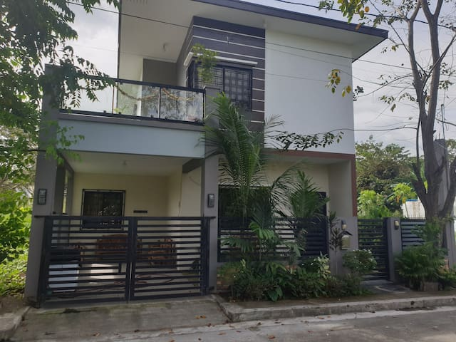Vacation house near Nuvali