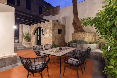 Belvedere Medieval Villa