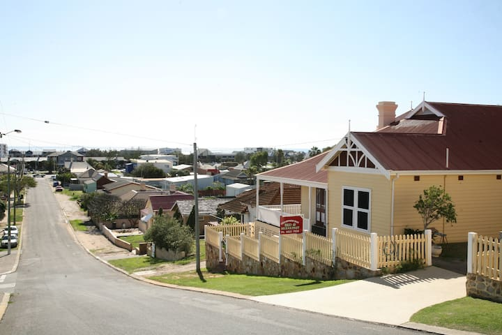 Champion Bay Bed & Breakfast - Geraldton - Bed & Breakfast