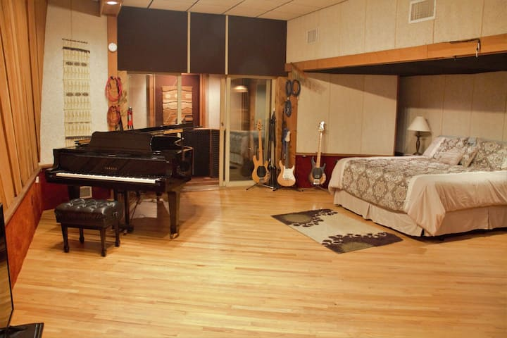 Unique Converted Recording Studio BnB Experience