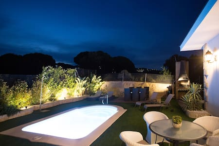 Room 3. In Villa, Private bathroom, Swimming pool.