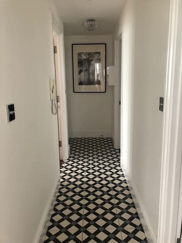 Victorian tiled Art Deco hallway