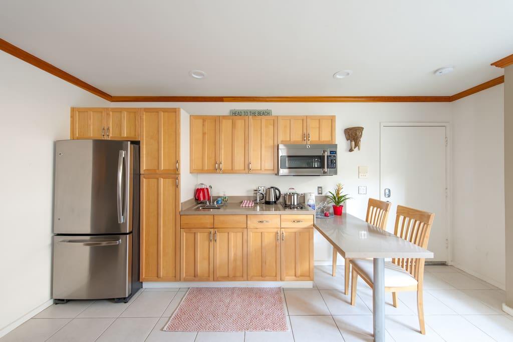 3/4 Kitchen