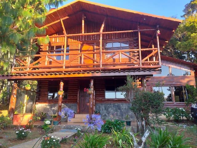 """Cabaña Familiar """" Mi Jardín en Dota"""""""
