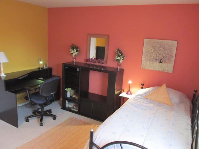 Flowers 4U-2Luv Large Room 2
