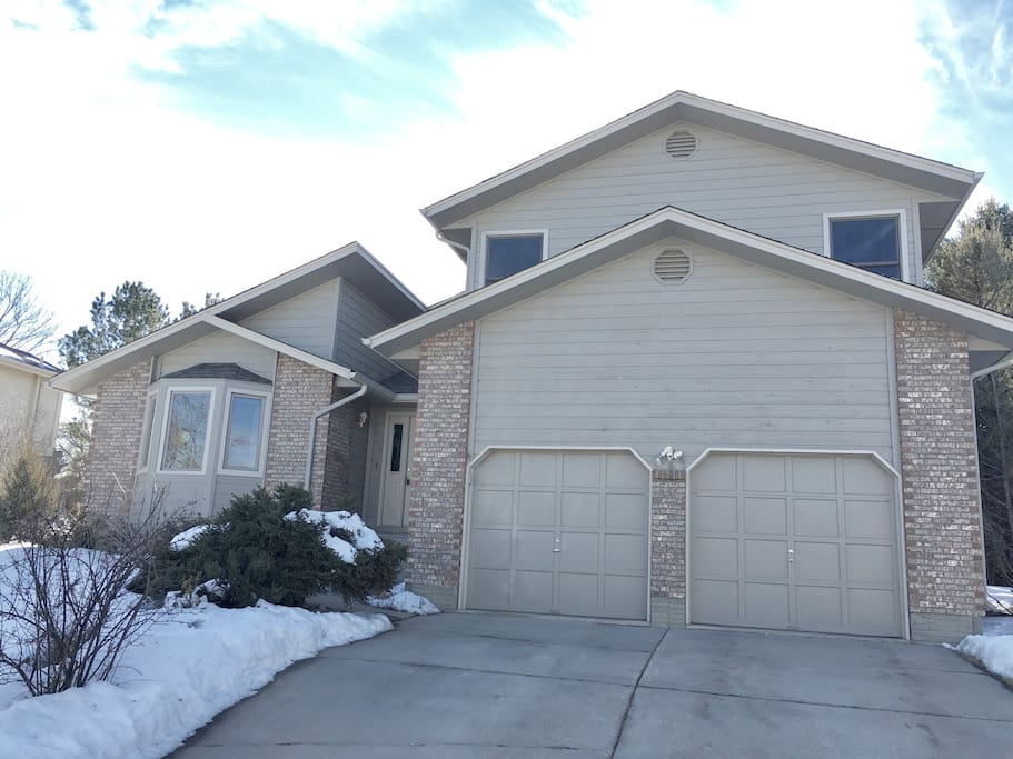 This home is comfortable and homey, just a short walk to just about anything you'd need!