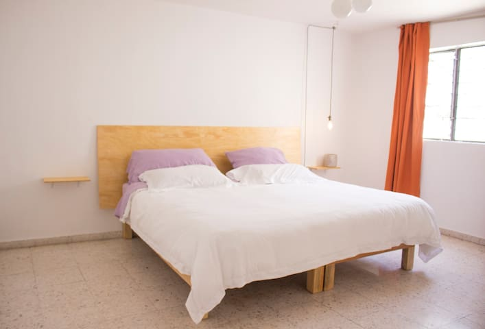 Beautiful private room near Chapultepec!!!!!