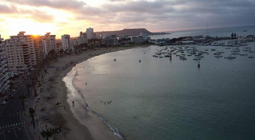Ocean View, beach front, 4 bedrooms apart - Salinas - Appartement