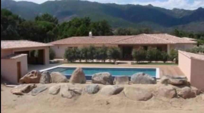 Villa Casa Oscarioni piscine jacuzzi corse sud p.v