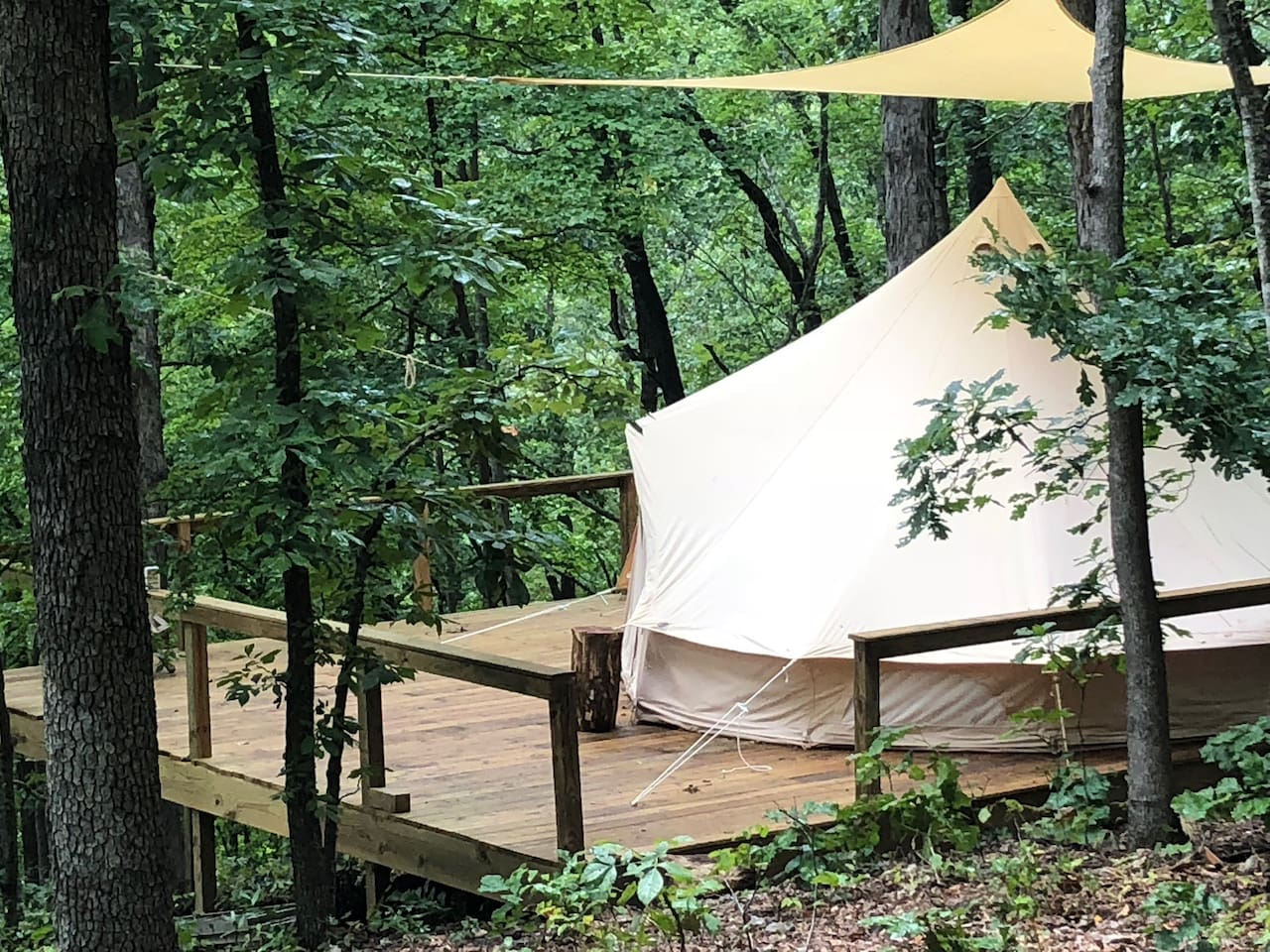 This Yurt is in a great location on the edge Mark Twain National forest. It is surround by hundreds of acres of woodlands in the Ozark Mountains.