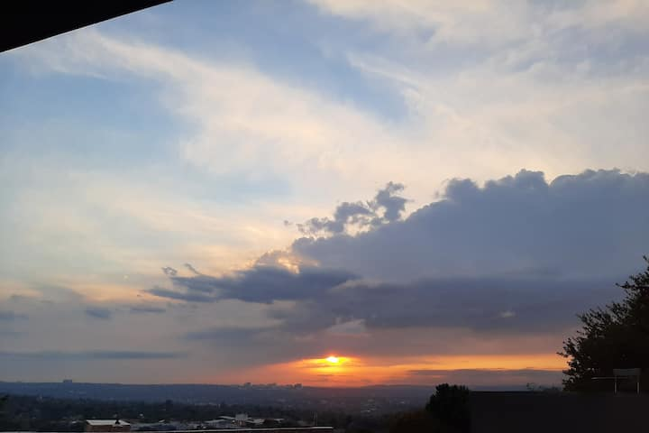 Northcliff Apartment with view