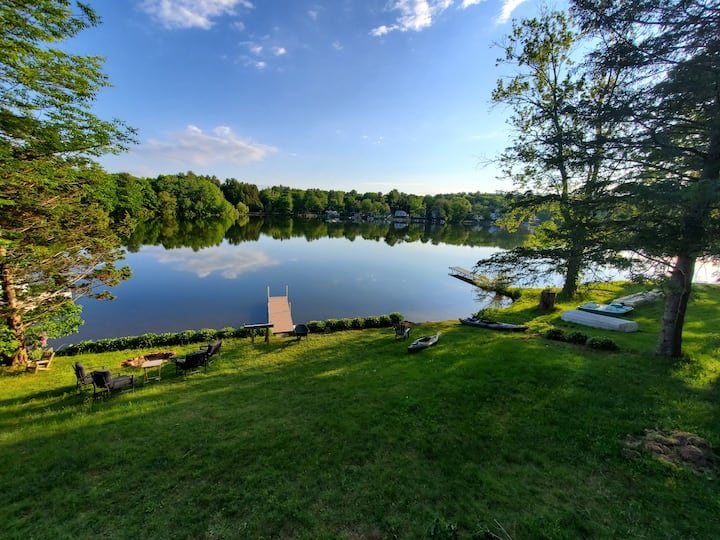 Contemporary Lakeside Retreat