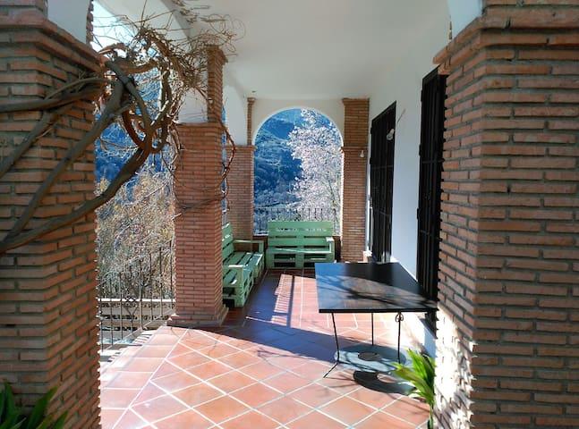 Casa rural en plena naturaleza - Güejar Sierra - Dům