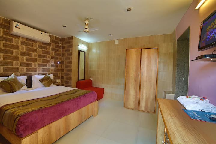 Deluxe Double Room at Sunrise Valley Mount Abu Rajasthan