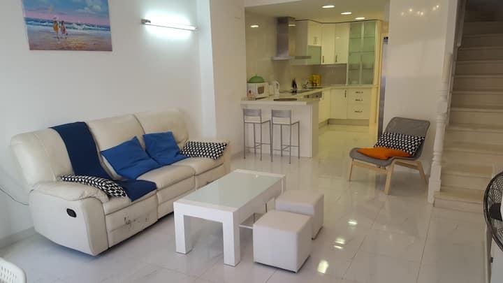 TORREMOLINOS centre -Maison  rénovée pour  6 Prs