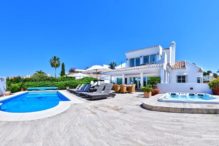 ***Luxurious beach side Villa near Marbella***