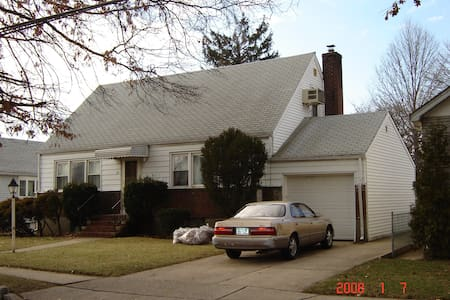 beautiful Long Island house (not accept w/out appr - Elmont