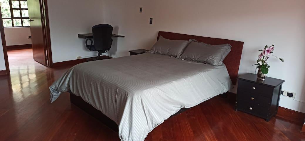 El colchón con doble pilow ortopédico para un descanso sin igual.