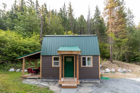 Tiny Pine Lodge