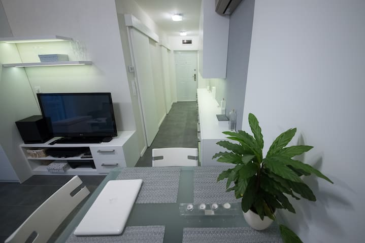 Little Gem with Parking in the Heart of Győr - Győr - Apartemen