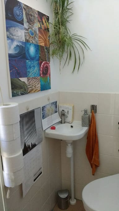 WC onder aan de trap op de beganegrond