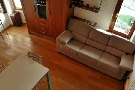 DIVANO LETTO CONFORT APP CENTRALE - Apartment