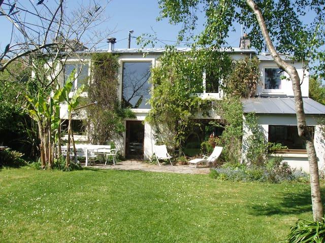 Grande maison d'architecte à 500m de la plage - Brest - Ev
