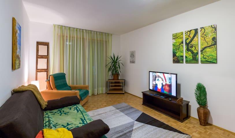 Ruhige, 80m2 Wohnung mit Sauna - Bozen - Apartment
