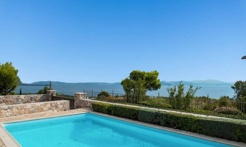 Exceptional Villa, Stunning Seaview and Relax!!!